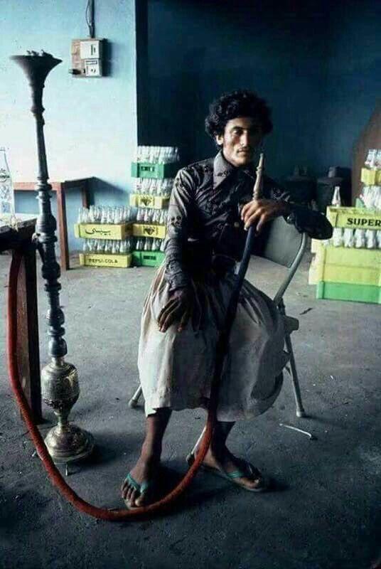 هل خطر على بال احد ان صاحب هذه الصورة سيحكم اليمن ٣٣سنة إنه علي عبدالله صالح