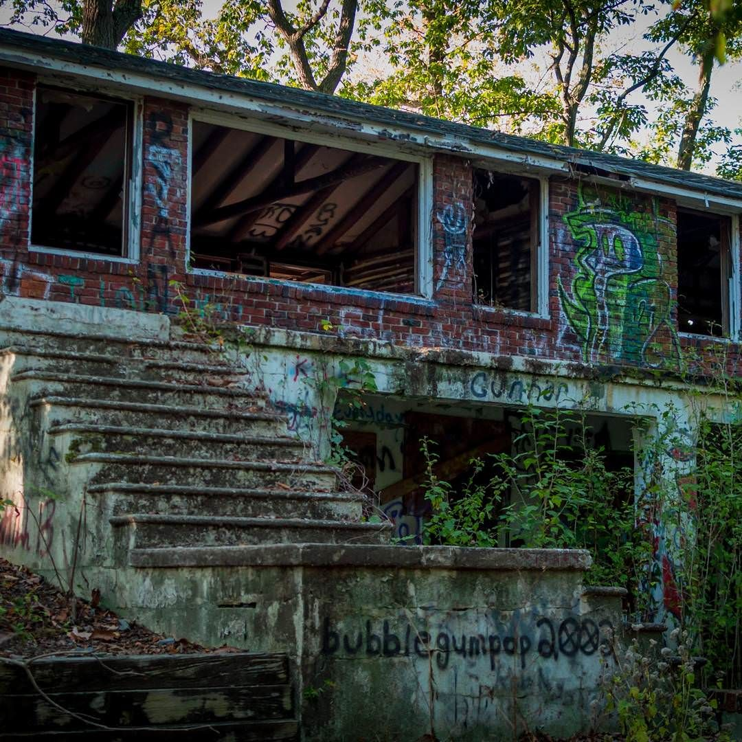 I Stumbled Across An Old Abandoned House In The Middle Of Rancocas