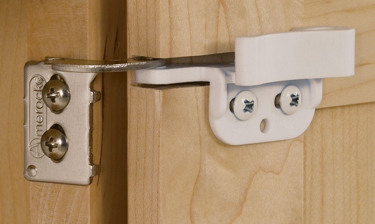 The Amerock Cm2606w 1 2 Inch Overlay Hinge Is Finished In White Guaranteed Performance That Is Smooth Quiet And Trouble Overlay Hinges Amerock Things To Sell
