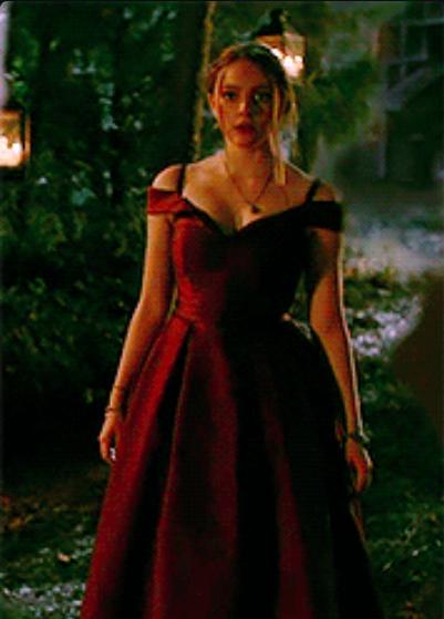 Pin By Mari On Dresses Hope Mikaelson Fashion Tv Dresses
