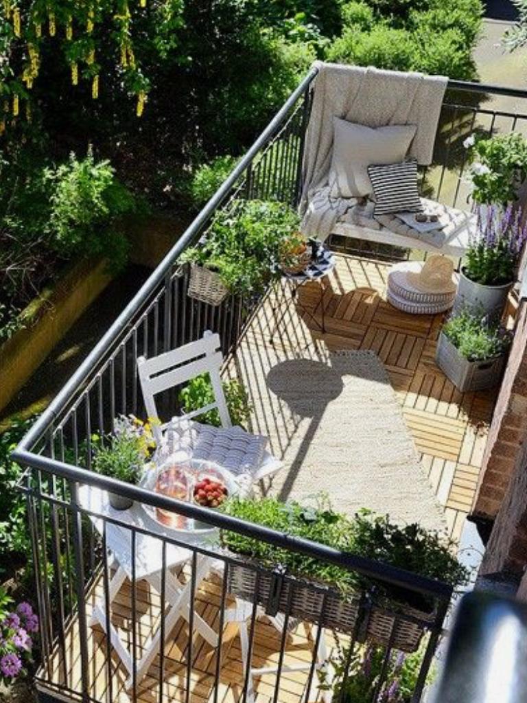 Small Apartment Balcony Garden Ideas: Loving This Cute Little Patio! Www.koltownproperties.com