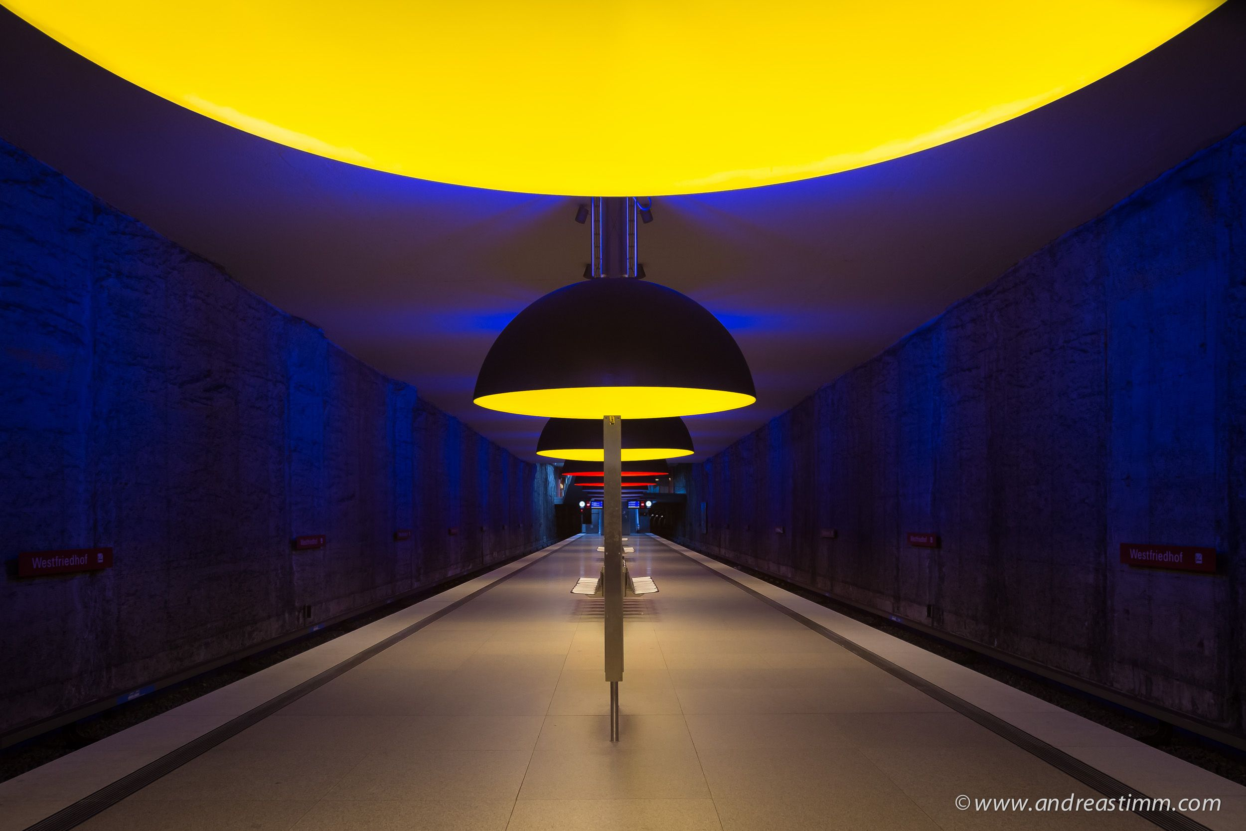 Munich Subway Station Westfriedhof - http://www.andreastimm.com/photo-posts/architecture/munich-subway-station-westfriedhof/
