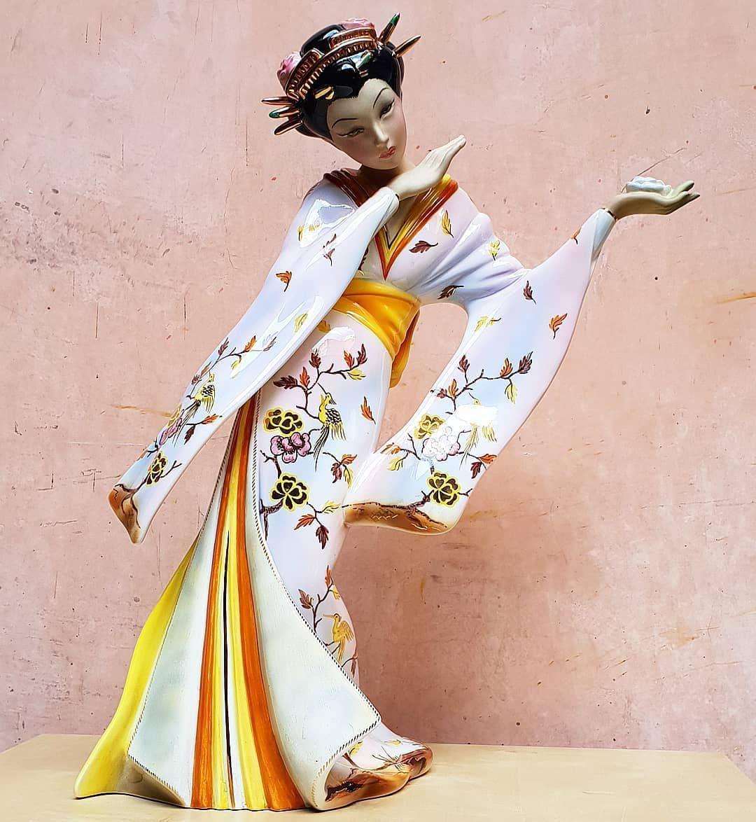 check out c1179 5a0e0 Fiore del Giappone - ceramica C.I.A. Manna epigono Lenci ...