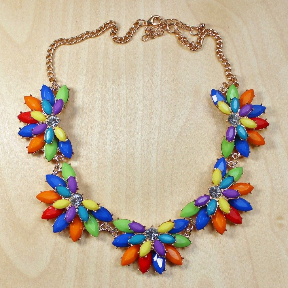 Torricelli Floral Necklace #floral #cutebaubles #necklace #mimiboutique #color