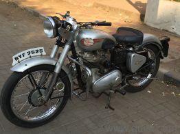 Very Old Model Vintage Pune Registered Bike Royal Enfield Bullet
