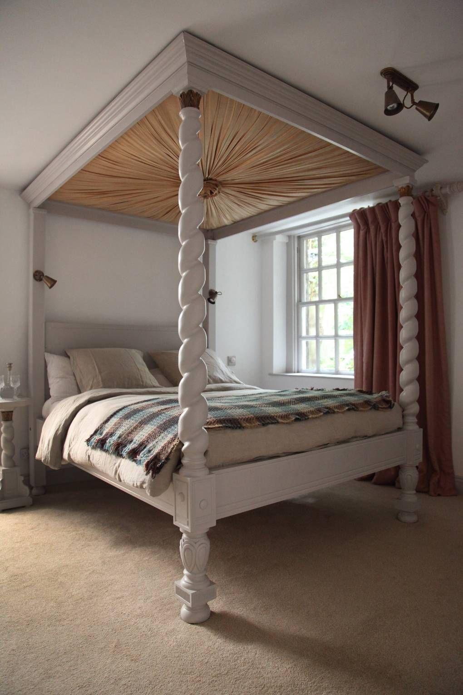 Berdoulat & Breakfast, Bath Traditional bedroom, Home