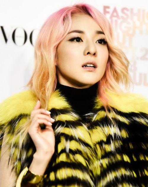 Kpop Hair Make Up Kpop Hair Fashion Night Hair Reference