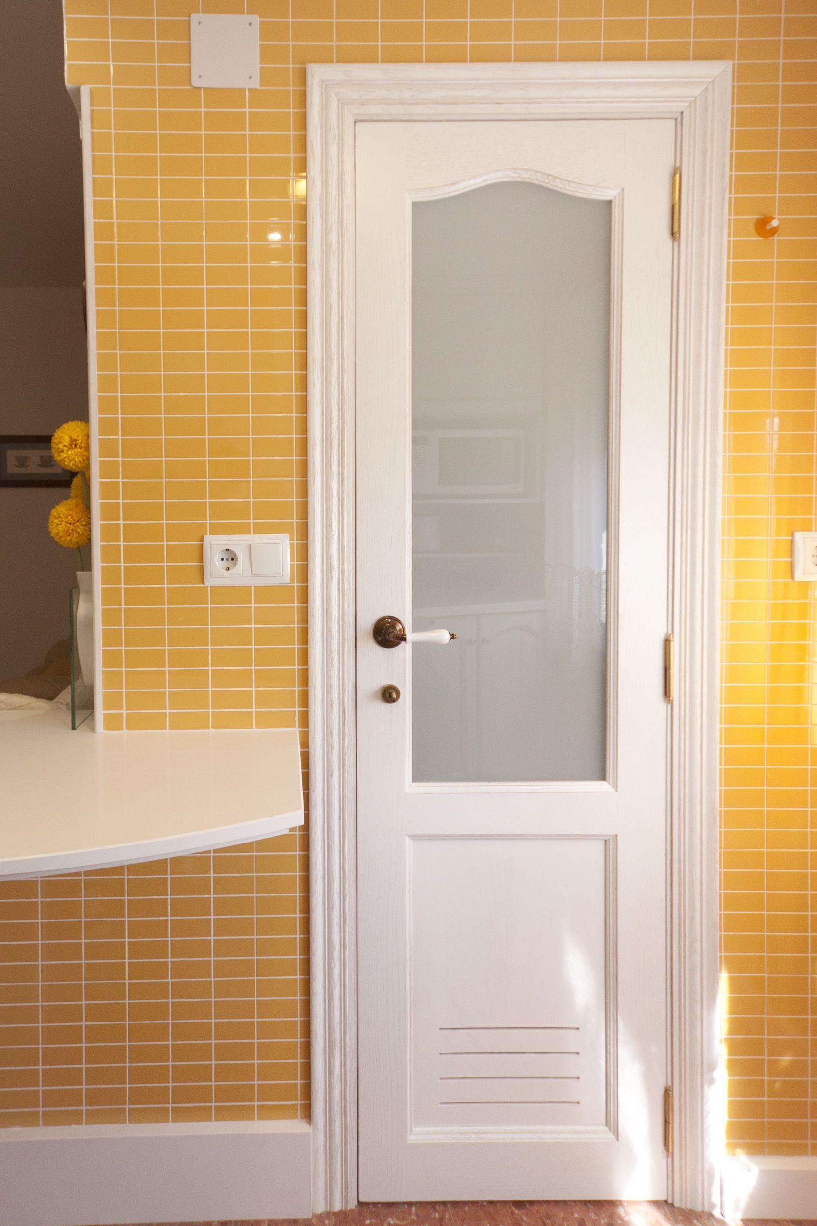 Puerta de galeria a conjunto con cocina provenzal puerta for Puerta de roble macizo castorama