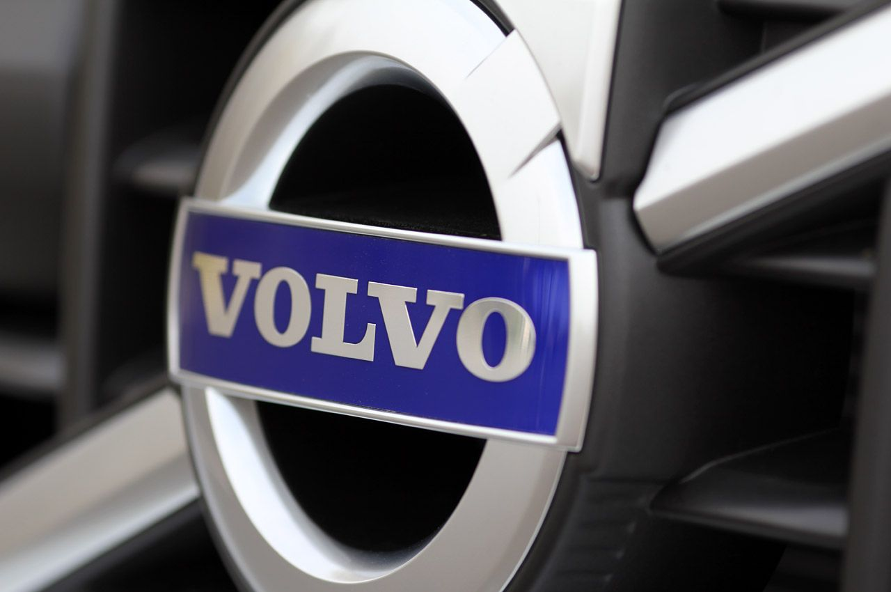 Volvo Logo Wallpaper For Mac Hfb Volvo Logo Volvo Volvo Xc60