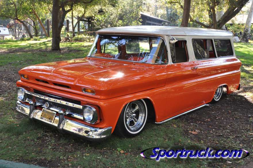 Pin By Arik Bowen On Vintage Suvs Classic Cars Trucks Chevrolet Suburban Chevy Trucks Older