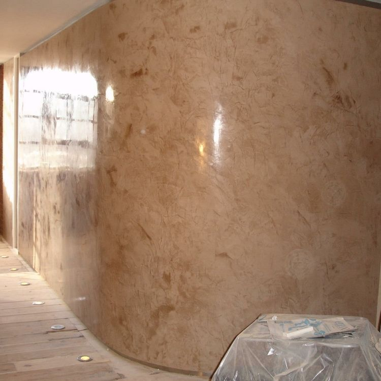 Two tone highly polished stucco veneziano curved wall for Curved wall