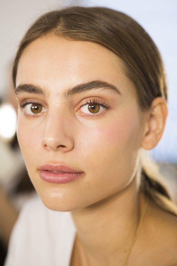 The Prettiest Makeup Looks and Trends for Spring 2017   Au Naturel at Brock