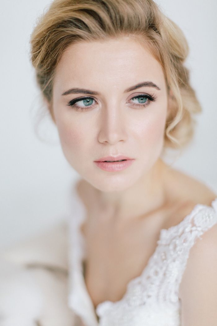 Gorgeous bridal make up blush lip ,growing bride like blush blush lip | fabmood.com