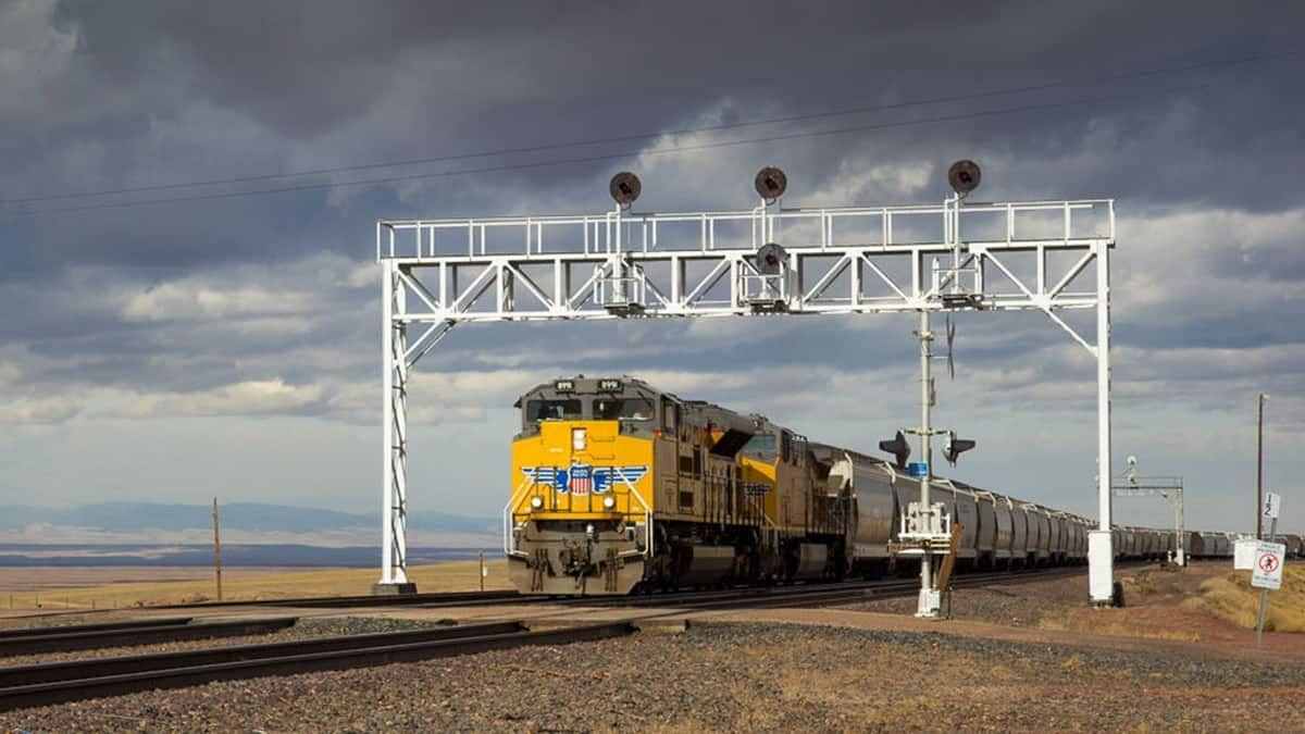 Pin On Transportation Trucking Logistics B2b Marketing