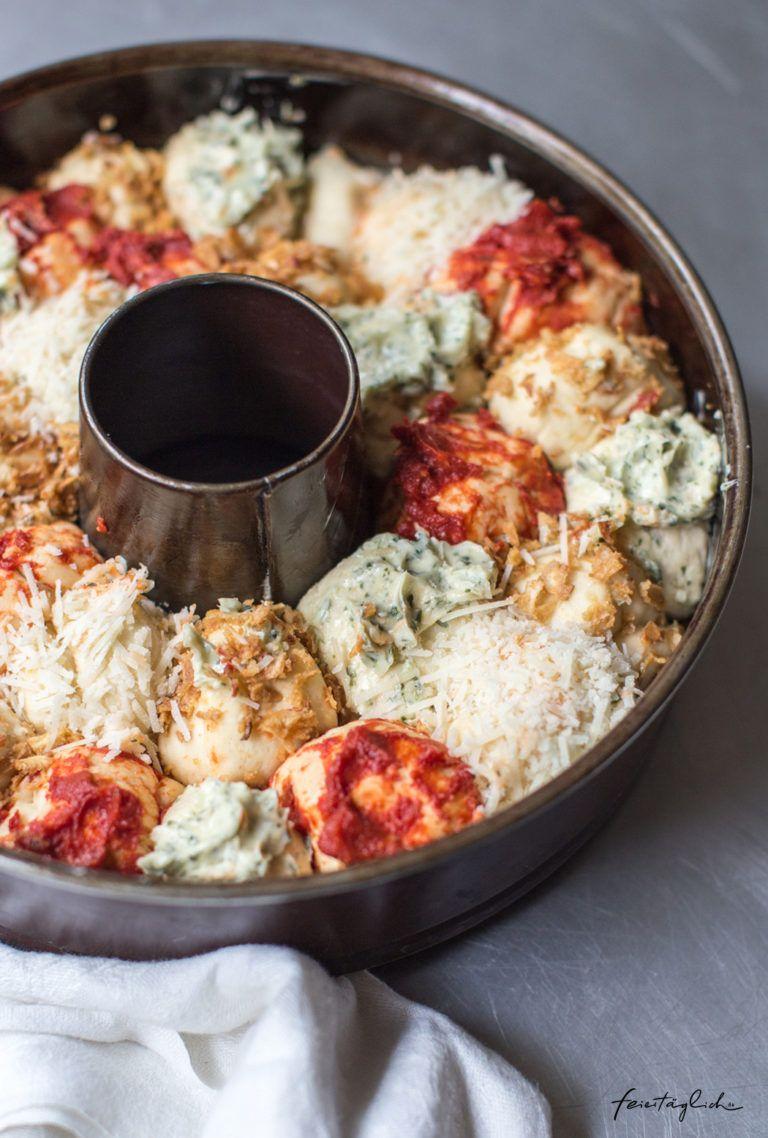 Photo of Kunterbuntes Zupfbrot – Rezept für das nächste Picknick, die Grillparty, das Sommerfest oder fürs Buffet. Dazu gibt´s Dattel-Dip. – feiertäglich…das schöne Leben