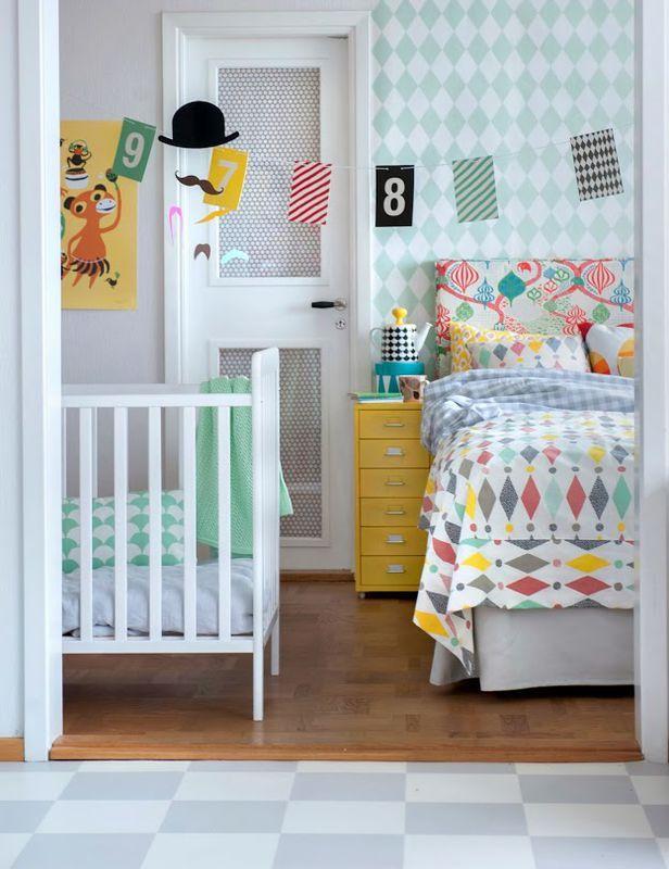 Lozeczko W Sypialni Rodzicow Sypialnia Styl Nowoczesny Aranzacja I Wystroj Wnetrz Furniture Slipcovers Kids Rooms Shared Ikea Furniture