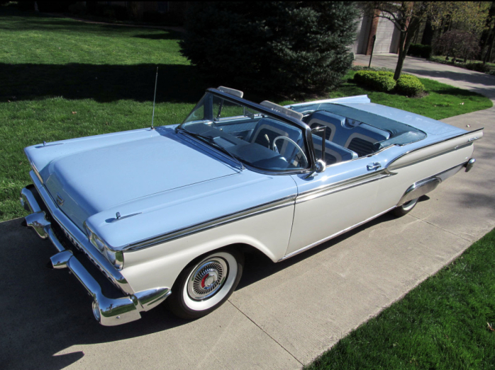 1959 Ford Fairlane 500 – sky blue and white – reminds me of a lovely summer day
