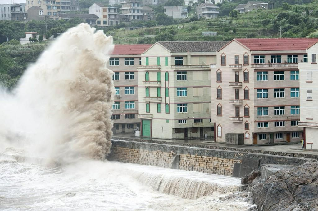 Shanghai could get its biggest flood in history as super typhoon approaches: http://slate.me/1SdOGIM