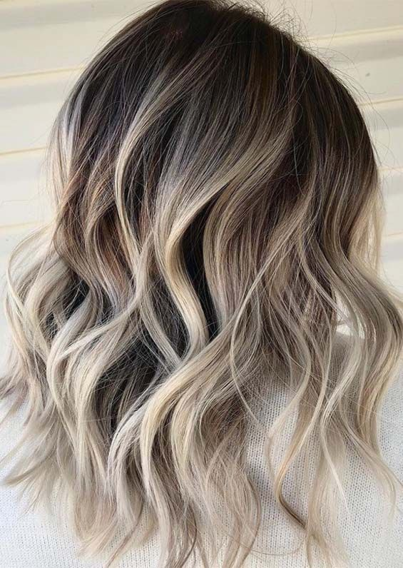 Explore This Link To See Fantastic Styles Of Long Layered Hair Styles With Blonde Color And Dark Roots Blonde Hair Ash Blonde Balayage Dark Short Hair Balayage