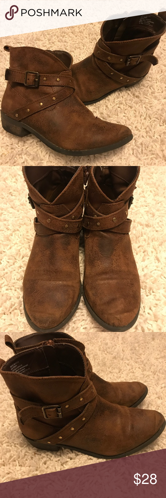 a65ac5bb84943 Arizona by JCP size 1M girls boot! SUPER CUTE! So sad we have to part with  them! Short cut cowgirl boot with bling!