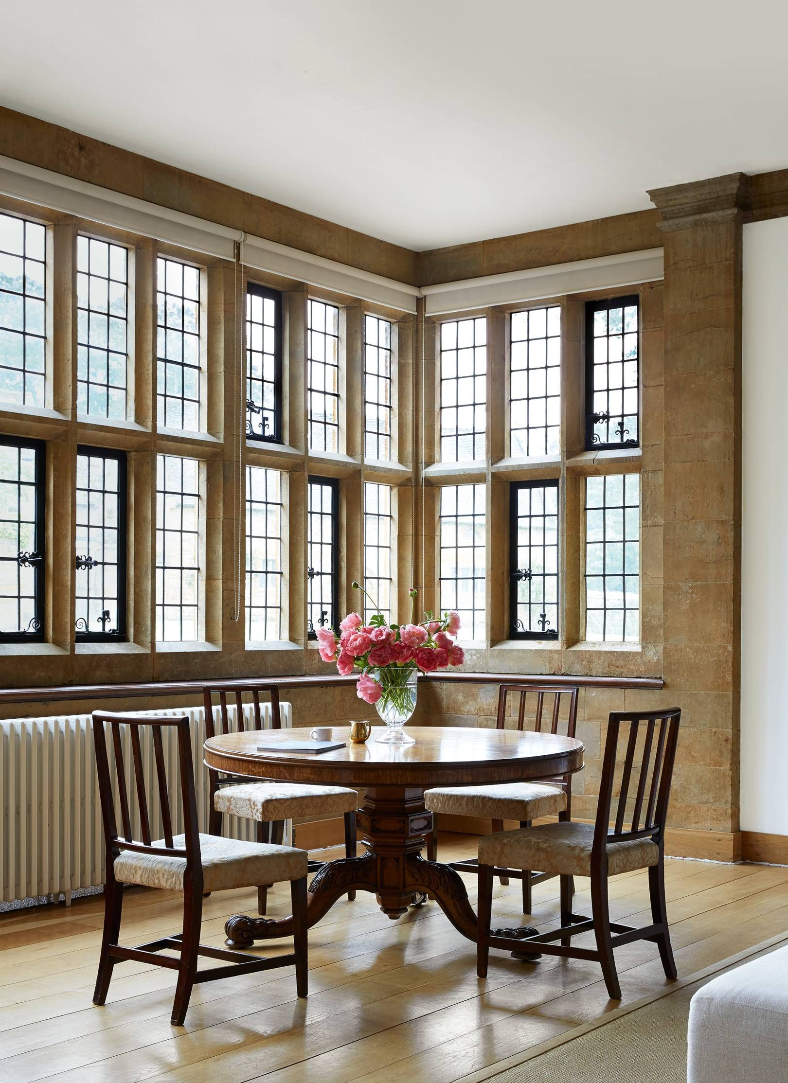 36+ Arts and crafts dining table uk info