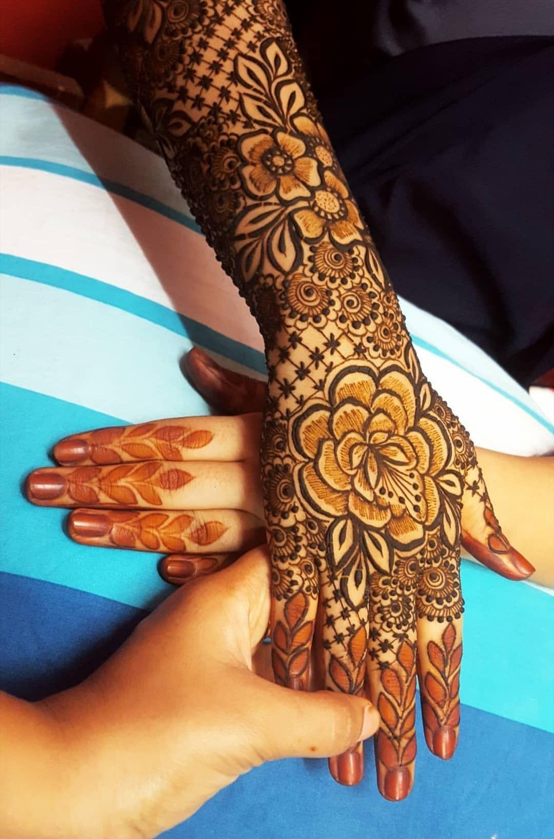 Siddiqui Hajra Back Hand Henna Design Dubai Henna Design Wedding Mehndi Designs Wedding Henna Designs Bridal Mehendi Designs