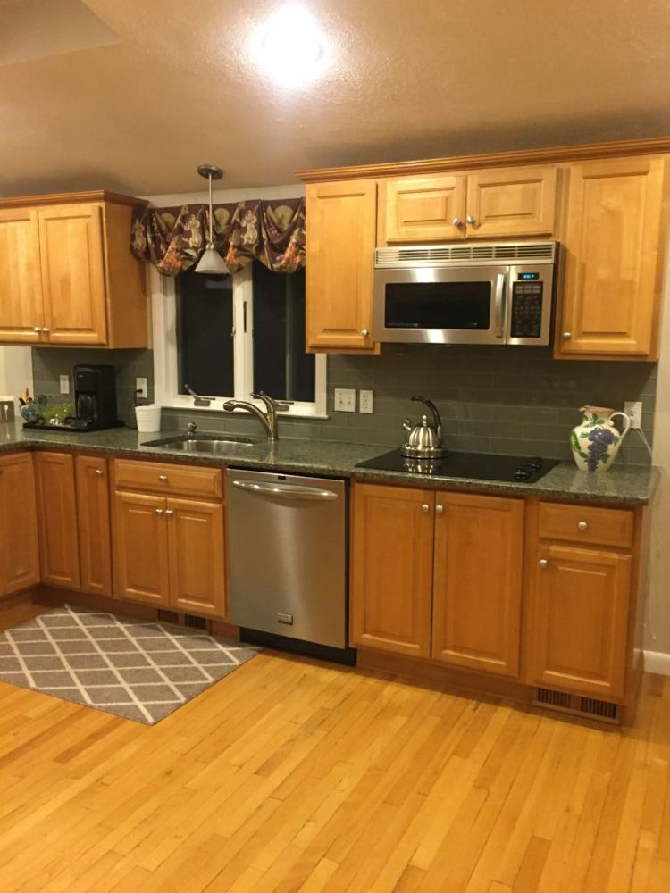 4 Ideas How To Update Oak Or Wood Cabinets Maple Kitchen Cabinets Cottage Kitchen Design Maple Kitchen