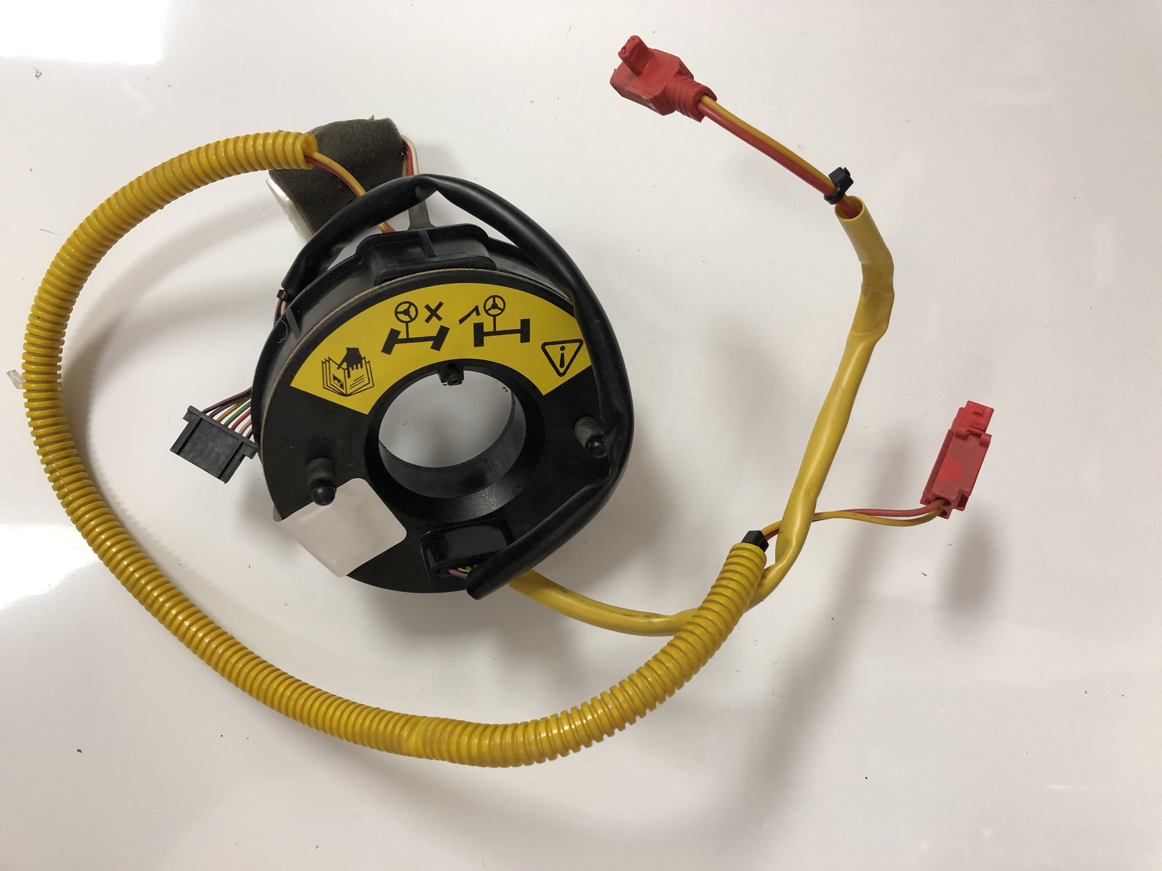 medium resolution of land rover discovery i ii range classic 95 p38 clock spring rotary cassette yrc100350