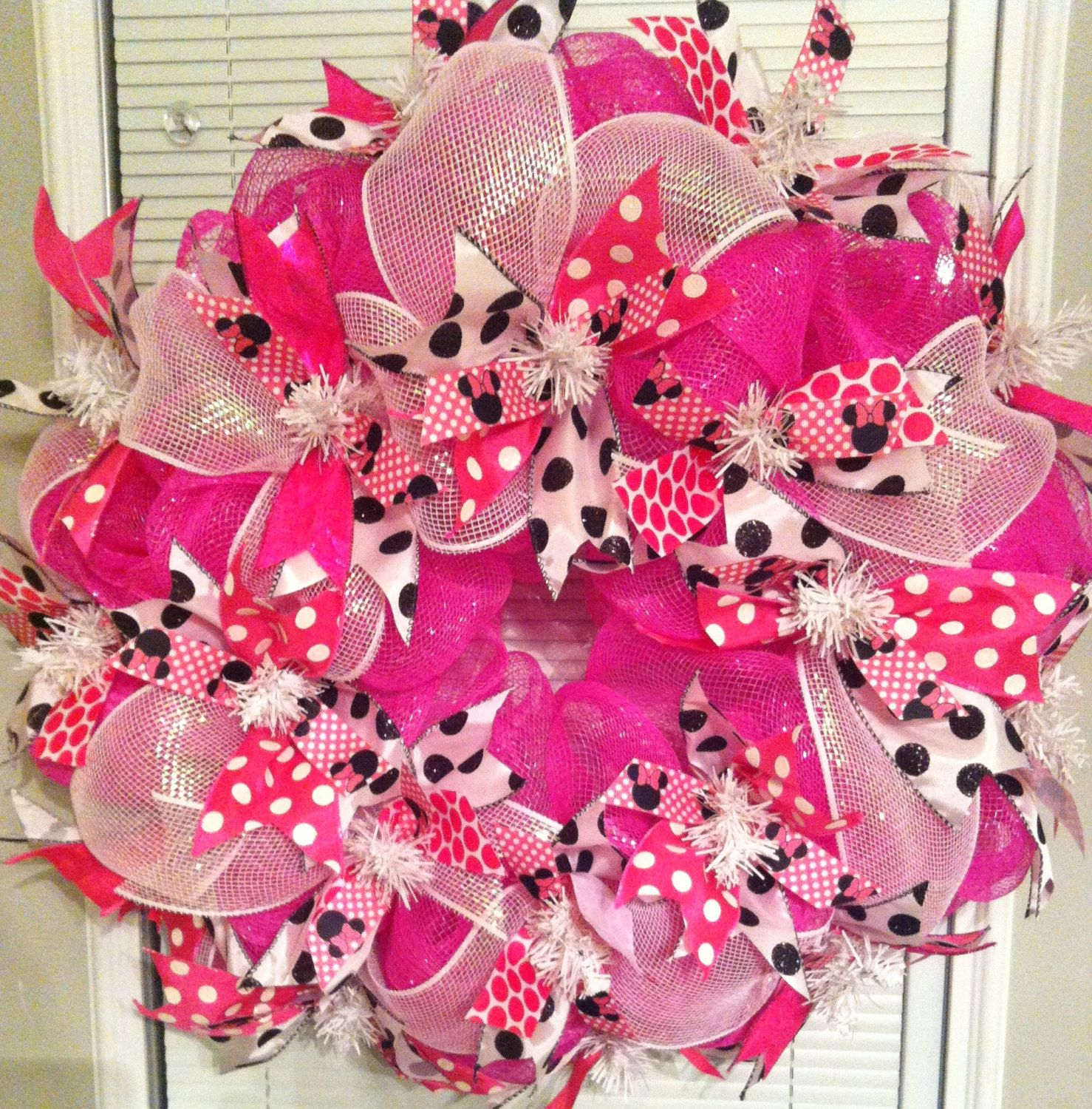 Photo of Items similar to Minnie Mouse Pink Polka Dot Deco Mesh Wreath on Etsy