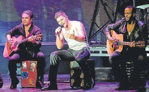 Mi parte favorita del concierto: El amor de mi vida, fuego contra fuego...  Mas Tour!