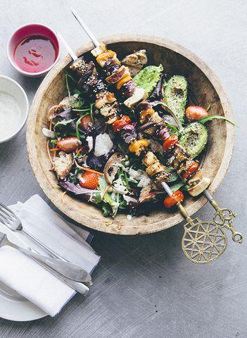 uskomatonta ruokataituruutta koko blogi läpeensä - siksipä ajattelin vinkata teillekin uudesta blogilöydöstäni Nourish Atelierista.