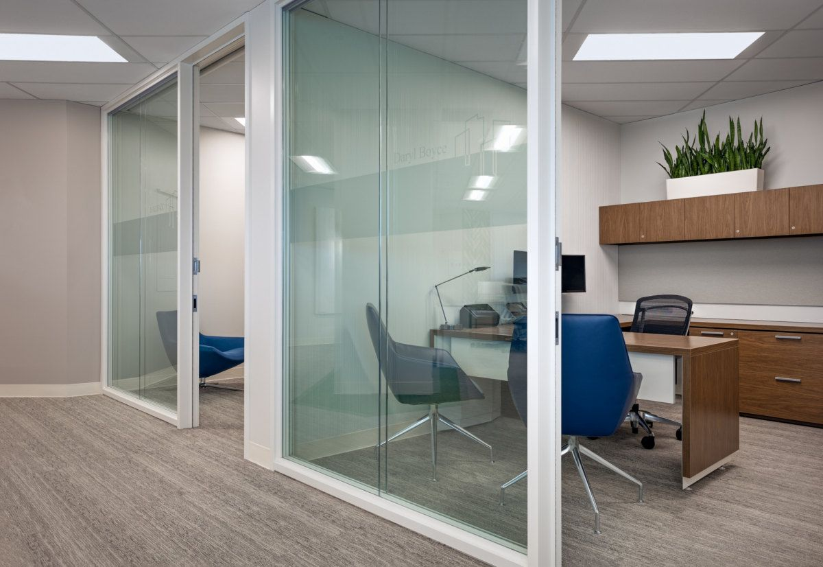 Centurion Asset Management Offices Toronto Office Snapshots In 2021 Office Interiors Residential Apartments Asset Management