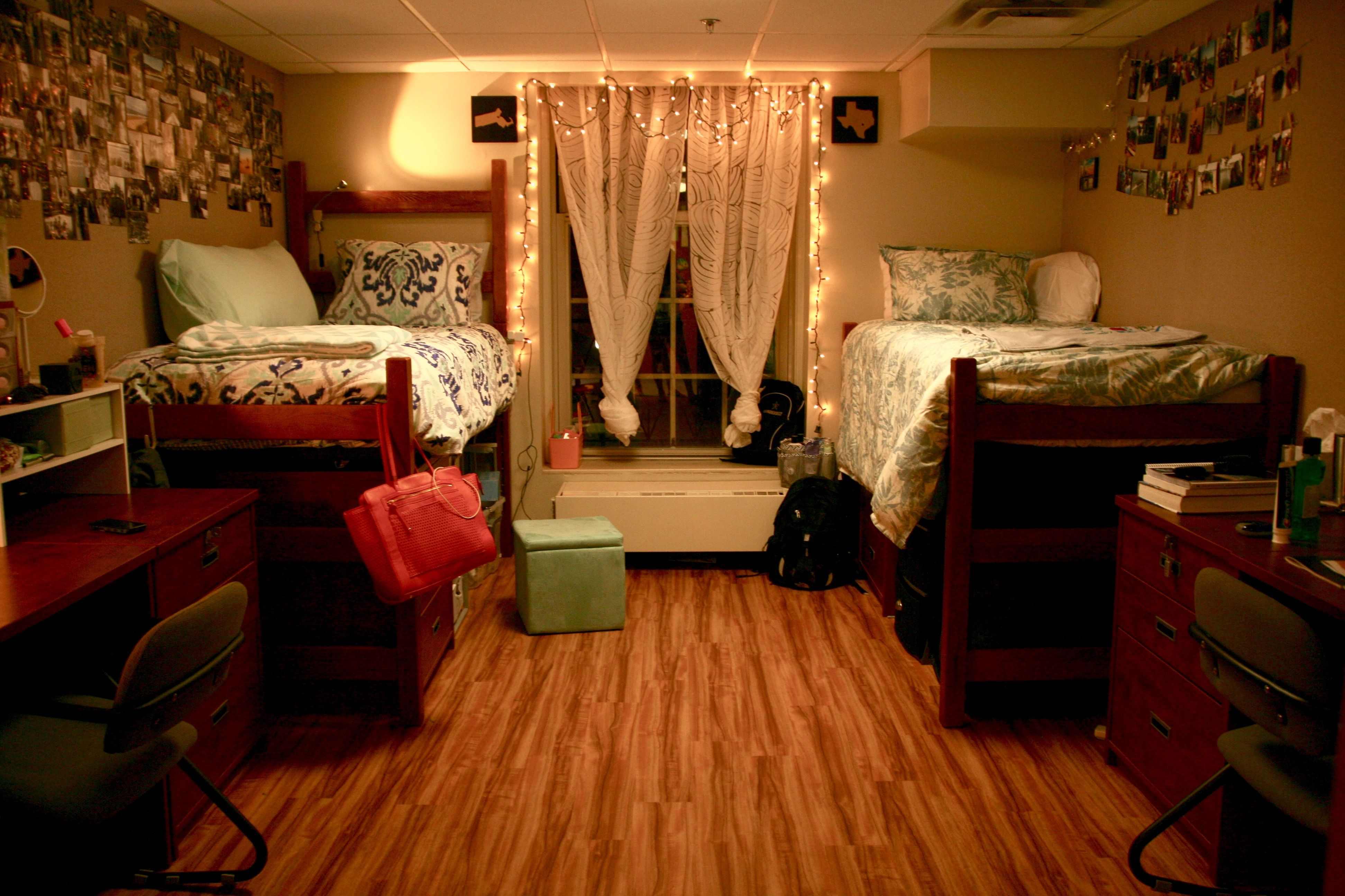 Love This Vanderbilt Dorm Room Soft Lighting And Matching Decor That Still Allows For Own