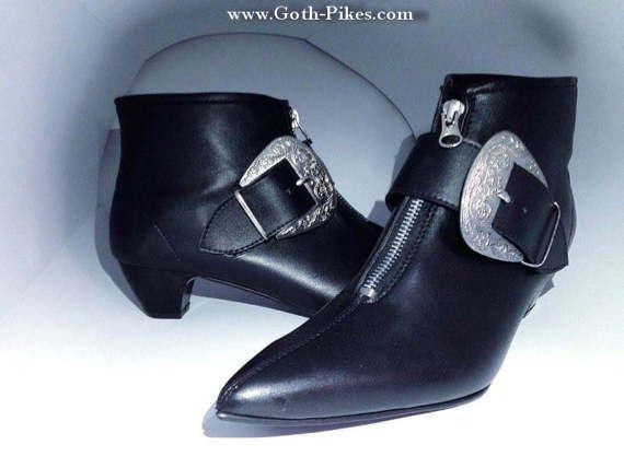 Goth Pikes bringt Sie die Kult Schuhe von der U Bahn in