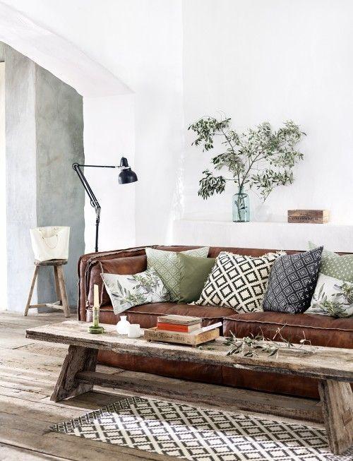Afbeeldingsresultaat voor bruine bank stylen dwell interiors in - Brown Couch Living Room