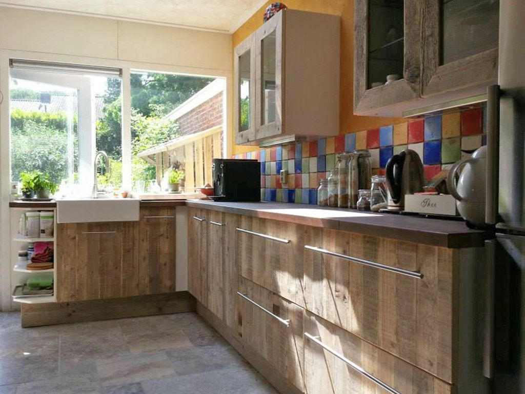 Stoere keuken van steigerhout inspiratie pinterest keukenblad keuken en sloophout - Moderne keuken deco keuken ...