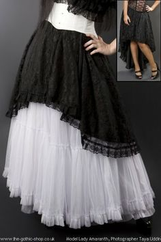 7c125015adfd16 Pin van Gold dust woman op gothic clothes - Goth skirt
