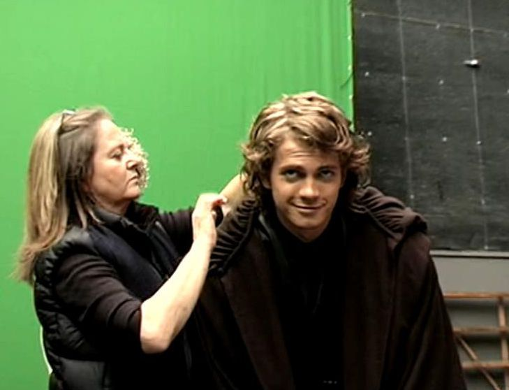 Hayden Getting His Hair Down Omg His Face Though Star Wars Cast Star Wars Anakin Star Wars Movie