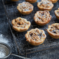 Mince pies with spiced orange crumble topping recipe