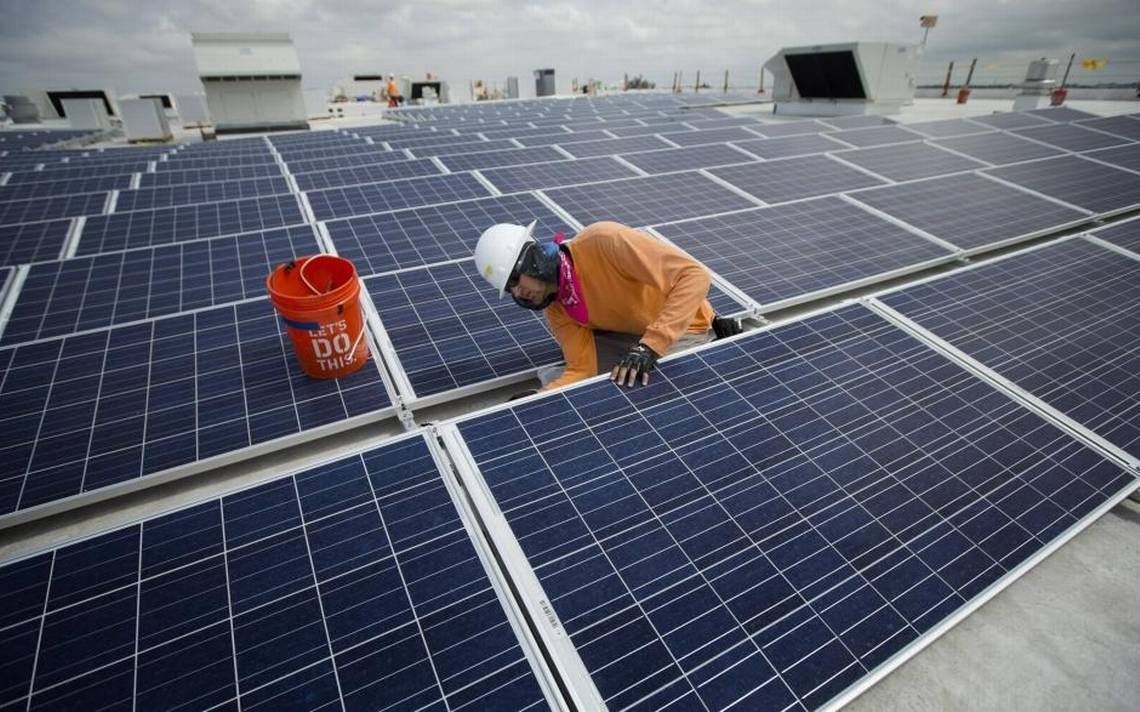 Fpl Drafted Portions Of Bill That Puts Tough Requirements On Rooftop Solar Companies Solar Cost Solar Installation Best Solar Panels