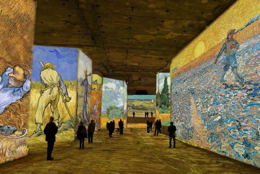 Carrieres De Lumieres Avignon Et Provence Starry Night Van Gogh Van Gogh Gogh