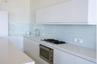 How to Paint White Melamine Kitchen Cabinets | Laminate ...