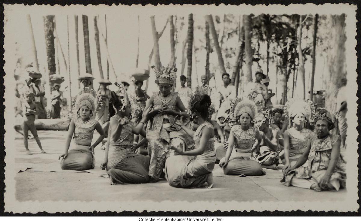 Foto Pakaian Adat Bali Jaman Dulu