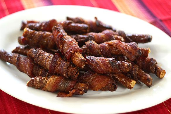 Bacon Wrapped Pretzels with Brown Sugar/Cayenne Glaze by creative-culinary: What's not to love?  #Snacks #Pretzels #Bacon #creative_culinary