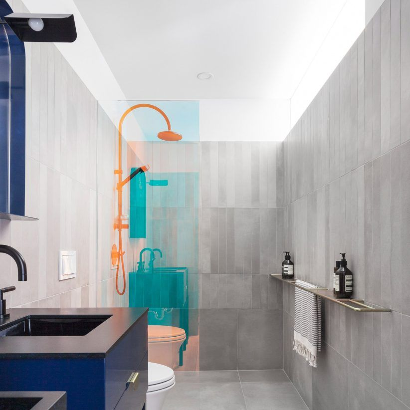 Eight Bold Bathrooms That Make Use Of More Than Just White Tiles In 2020 Bathroom Design Concrete Bathroom Bathroom Design Trends