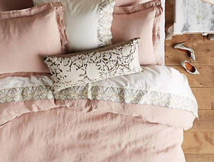 la couleur rose poudr dans la d co int rieure chambre lit rose deco et lit. Black Bedroom Furniture Sets. Home Design Ideas