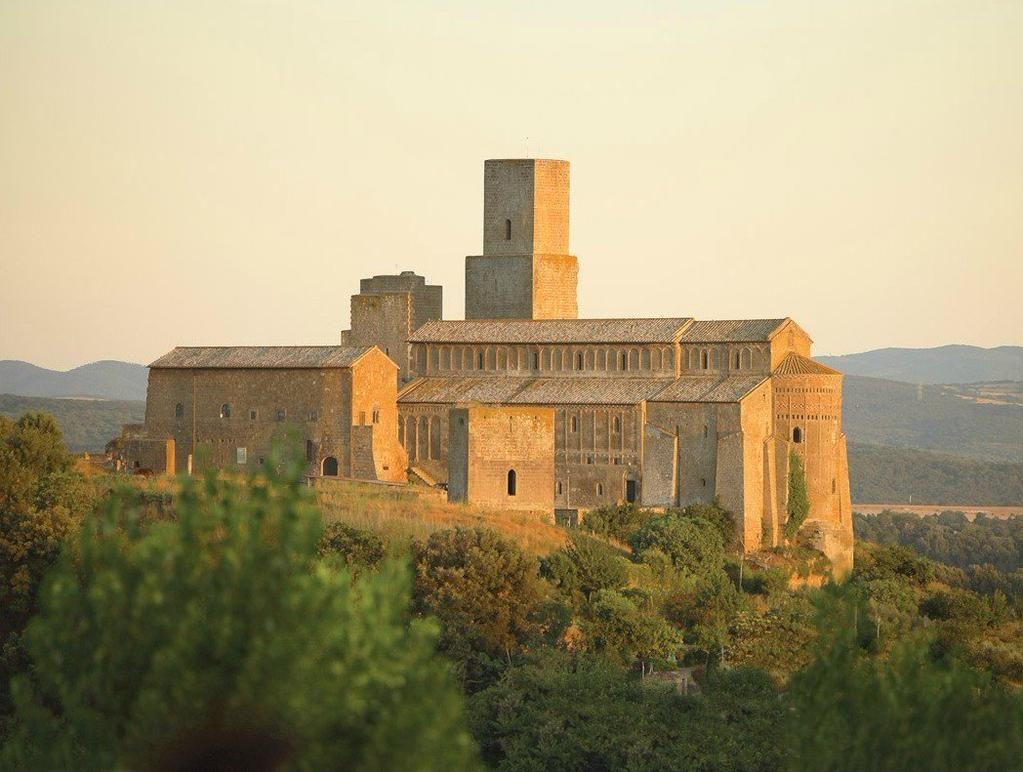 Dal 16 al19 luglio, la 1° edizione di @FLeB_ Festival della Letteratura Breve nella splendida #Tuscania @igersviterbo