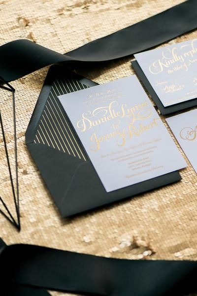 KATHRYN Suite Cutie Package Elegant Script Font For Wedding Invitations Black And Gold Foil With Glitter Stripes Envel