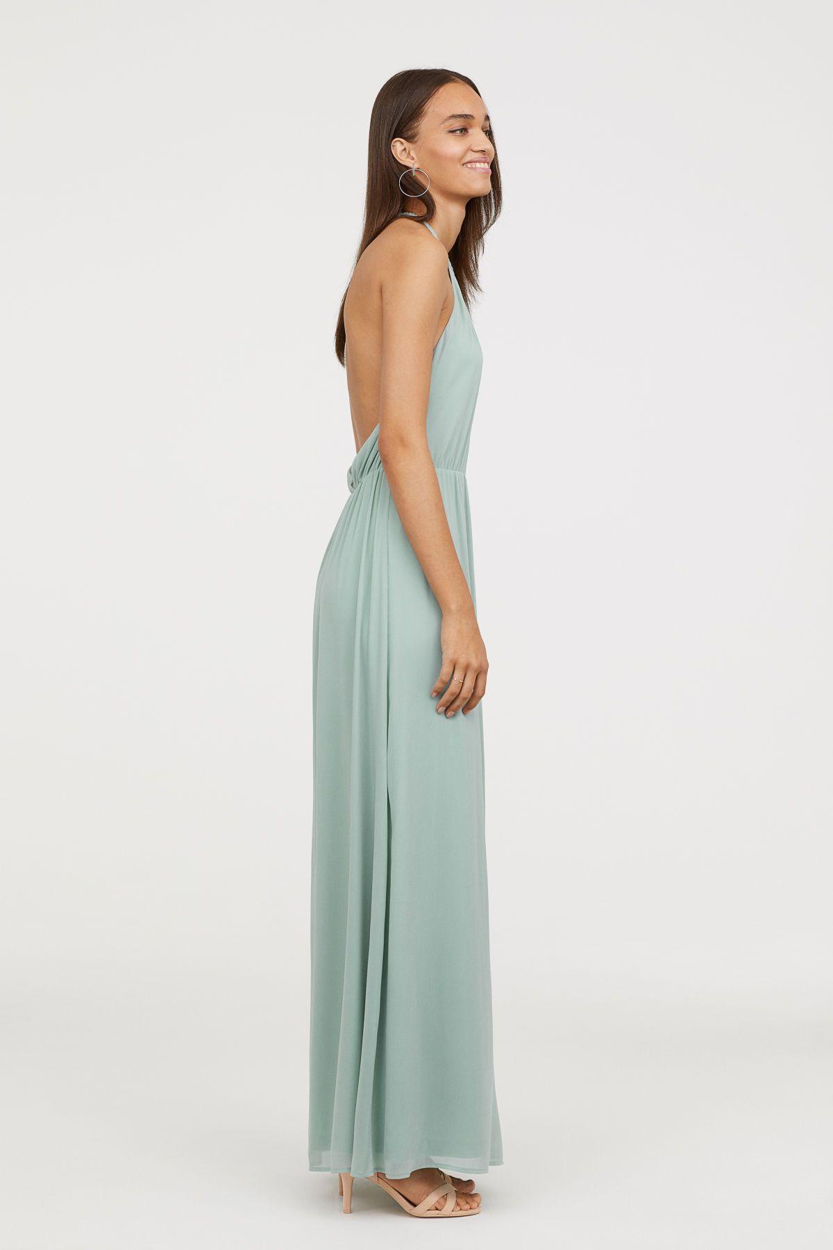 Mintgrun Langes Ruckenfreies Neckholder Kleid Aus Zartem Gecrinkeltem Chiffon Das Kleid Hat Oben Ein Geflochte Kleid Hochzeitsgast Kleider Neckholder Kleid