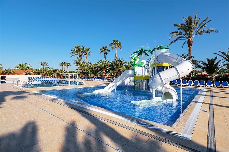 Camping Vendrell Platja Knus Kamperen Tussen Barcelona En Tarragona Camping Vendrell Platja Ligt Aan De Spaanse Kust Tussen Camping Aussenpool Der Swimmingpool